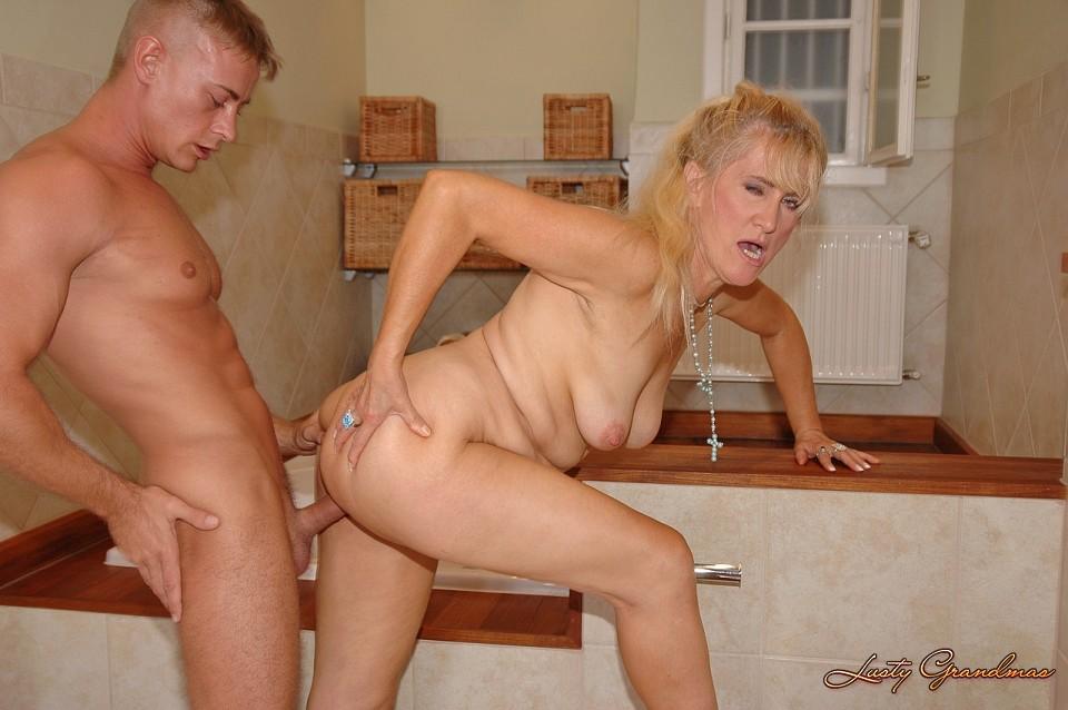 фото ебля женщин пожилых