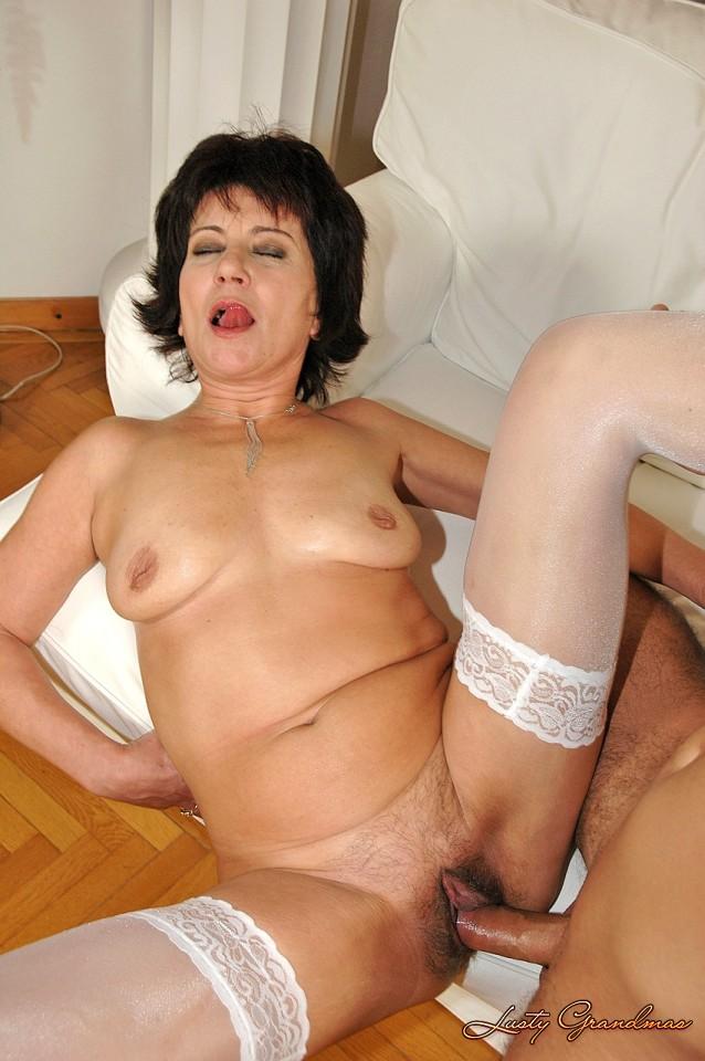 фото зрелые тетки дрочат пенис
