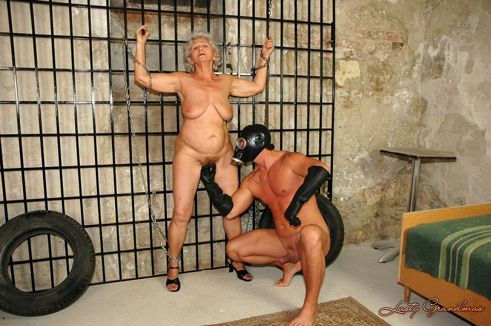 Lustygrandmas very mature penetrated by fresh dick 7