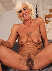 lusty grandmas Hairy flower
