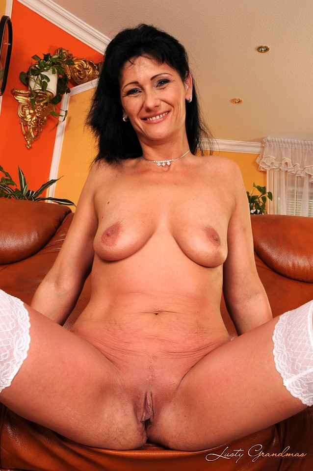 Lustygrandmas very mature penetrated by fresh dick 6